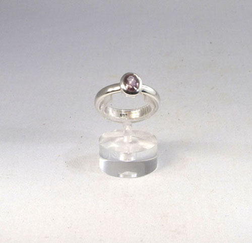 Ring Roter Spinell Oval