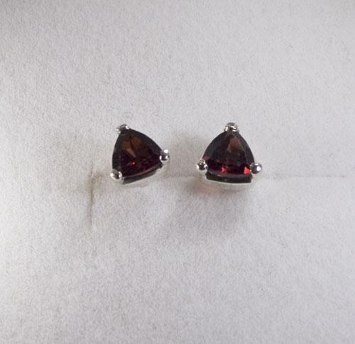 Ohrstecker Granat Triangel