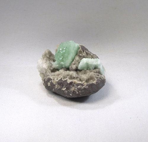 Apophyllith grün Stufe