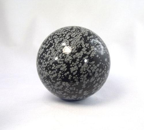 Schneeflocken-Obsidian Kugel 87 mm