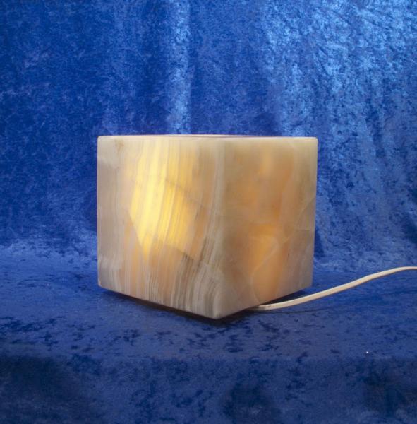 Unikat Calcit-Leuchte Würfel 15x15 cm