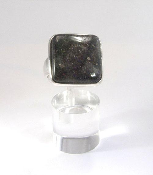 Ring Schwarzopal